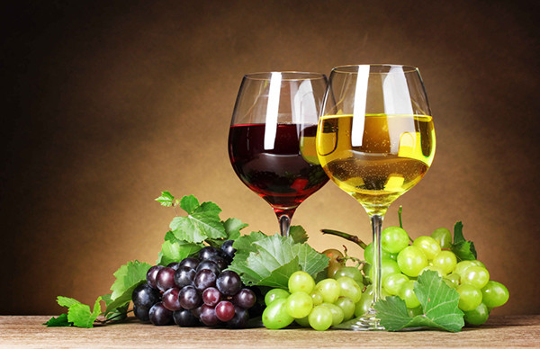 年末应酬多,喝酒前后饮食有讲究zU.jpg